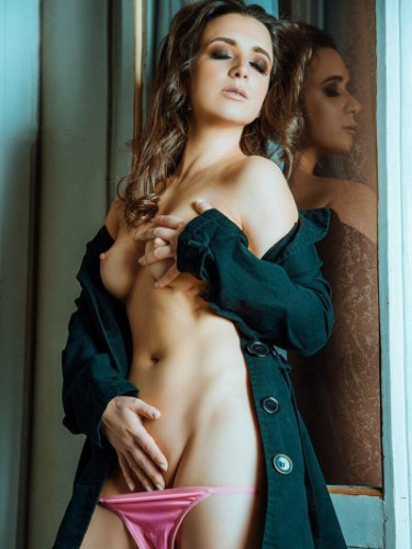 Sex ad by kinky escort Iris (21) in Milano - Foto: 1