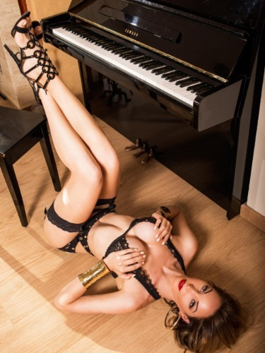 Sex ad by kinky escort shemale Laviny Albuquerque (28) in Abano Terme - Foto: 6