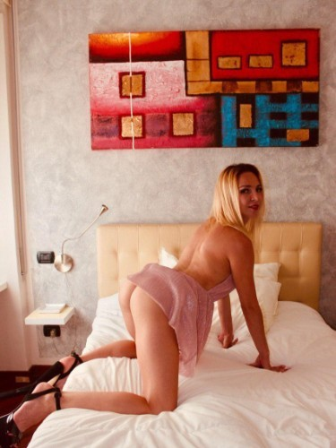 Sex ad by kinky Laura (21) in Milano - Foto: 7