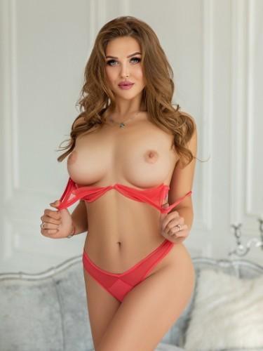 Sex ad by kinky escort Zarina (18) in Roma - Foto: 4
