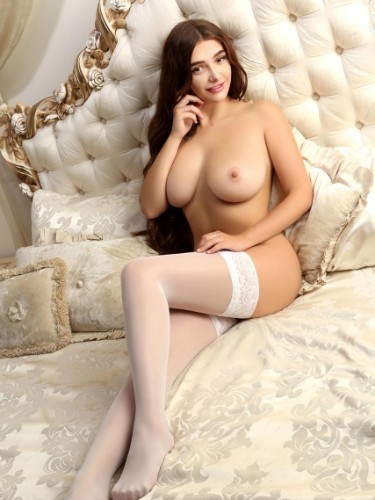 Sex ad by kinky escort Estelle (18) in Milano - Foto: 5